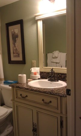 Toscana Suites: lovely bathroom