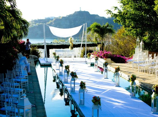 Pelican Eyes Resort & Spa: A Wedding Destination!