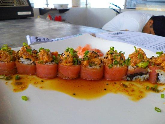 El Ganzo: TUNA ROLL ... Rollo sushi de Atun Fresco.