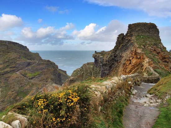 Trenowan: Stunning view looking down to Tintagel Castle