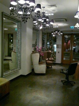 BEST WESTERN Maitrise Hotel: entrance