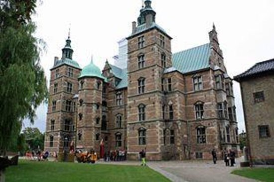 Castillo de Rosenborg: On our way out it was quite busy