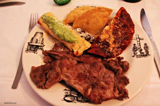 Fonda el Refugio: Combination plate with carne asada