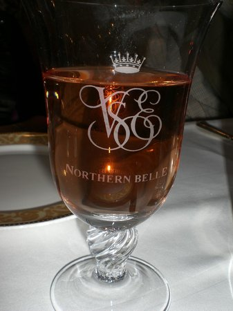 Northern Belle: Cheers Happy  New Year