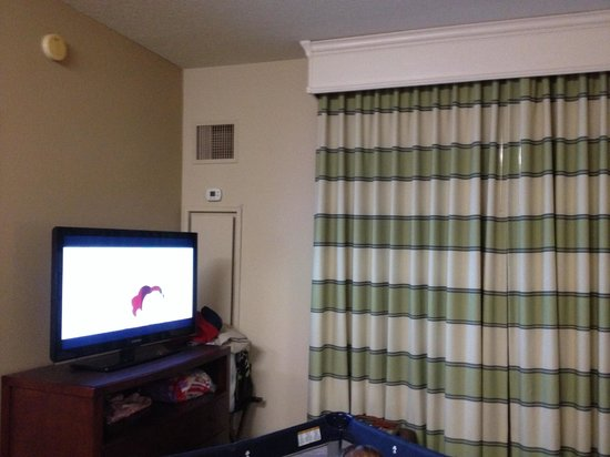 Homewood Suites by Hilton Minneapolis - Mall of America: TV in Living Room