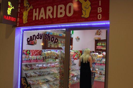 Aqua Fantasy Aquapark Hotel & SPA: Sweetie shop on site!!