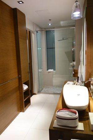 Hotel Le Germain Calgary: BAthroom