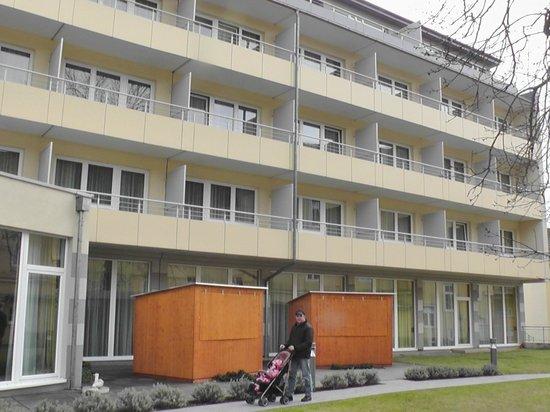 Badener Hof: Вид на корпус отеля