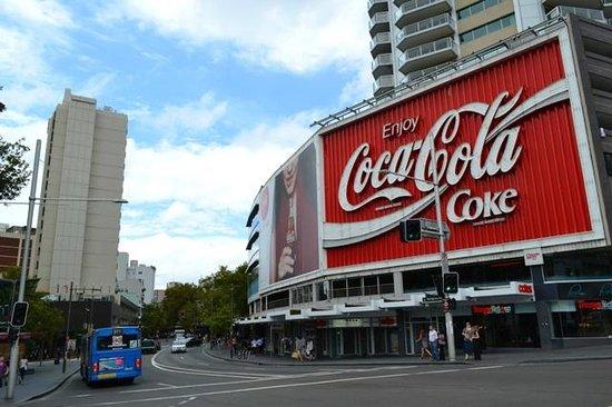 Ibis budget Sydney East : A avenida do agito a uma quadra do hotel