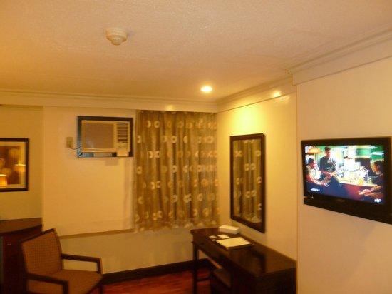 Fersal Hotel Diliman : Desk