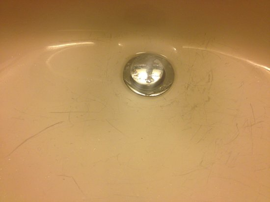 DoubleTree by Hilton - Washington DC - Crystal City: Dirty sink
