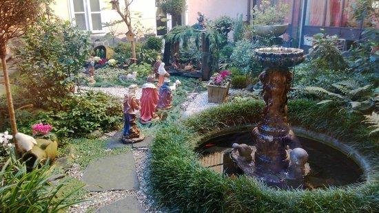 Hotel Pesce d'Oro: Il giardino del ristorante a Natale