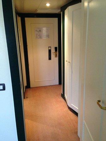Tivoli Oriente Hotel : Entrada do quarto