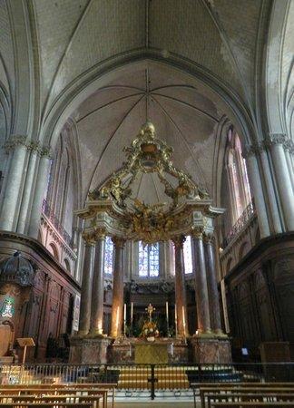 Cathédrale Saint-Maurice : The High Altar (1758)