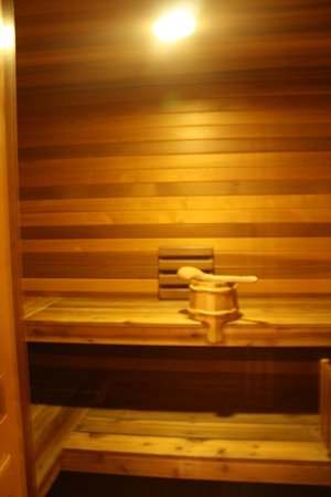 Couples Resort: Private Sauna in Chateau Lyra