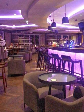 Renaissance Izmir Hotel: Restaurant