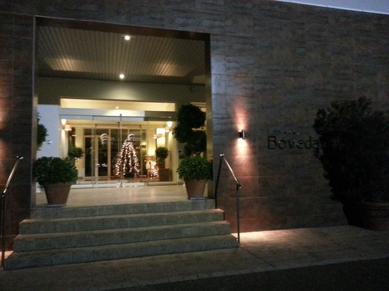 Las Bovedas: Entrance