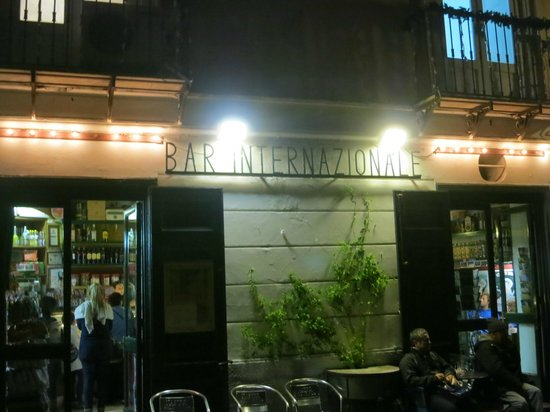 Le Nereidi : Bar Internazionale, stop here if you are coming from Sorrento.