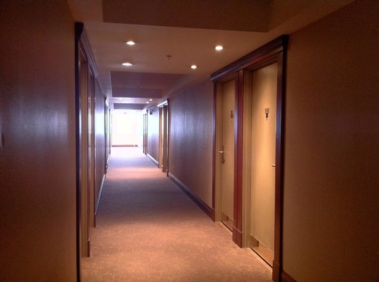 Waterfront Hotel Downtown Burlington : Rooms corridor