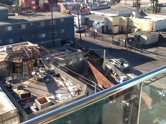 Hotel Erwin: Construction View NOT Oceanview