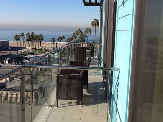 Hotel Erwin: Oceanfront Room View