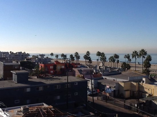 Hotel Erwin: Construction View NOT Oceanview