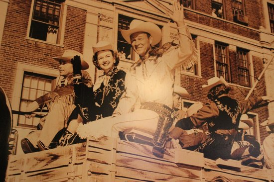 Macy's Cellar Bar and Grill : Quadro de Fime antigo com John Wayne