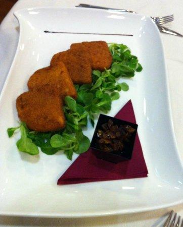 """Aquattro Restaurant: Main Dish: """"Cotoletta di Provola"""""""