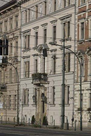 Pokoje Goscinne Basztowa: kamieca w której zamieszkaliśmy wyróżnia się swoją urodą
