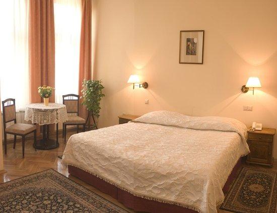 Pokoje Goscinne Basztowa: wszechstonny pokój