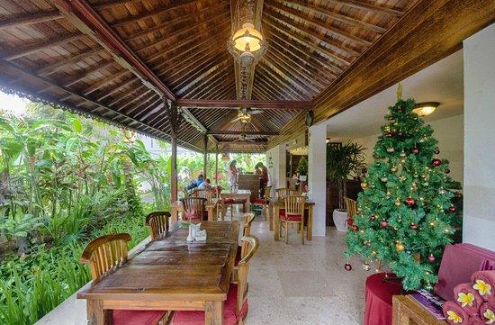 Klumpu Bali Resort: Dining cum reception area