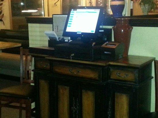 bar server