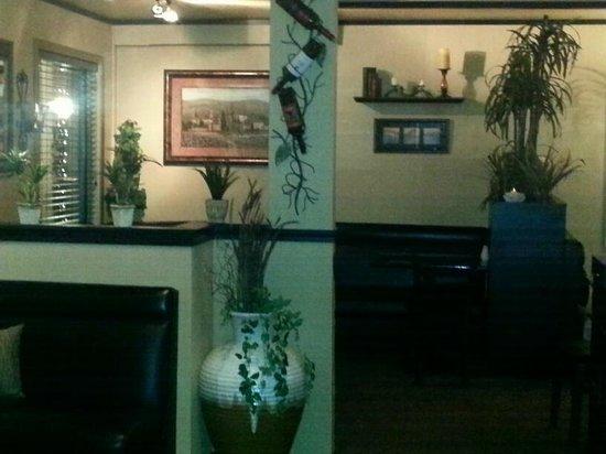 Denallis Grill and Bar: corner booth