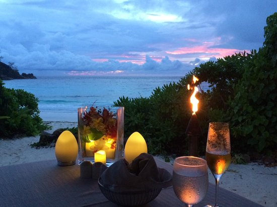Four Seasons Resort Seychelles: Sunset Dinner