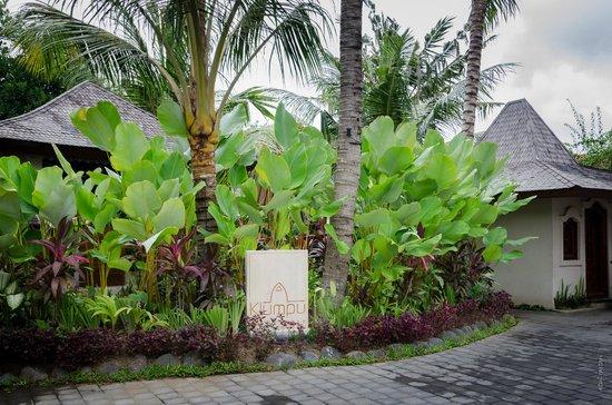 Klumpu Bali Resort: The entrance