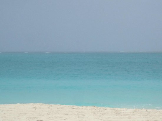 Sibonne Beach Hotel: turquois waters at Grace Bay