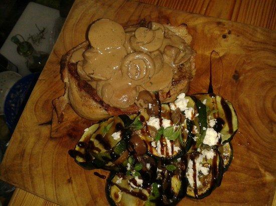 Fanny's Terrace Bistro: Filet Mignon with sukini