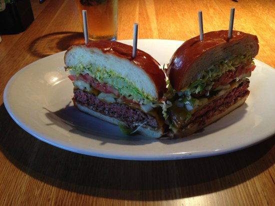 R+D Kitchen: Great cheeseburger!