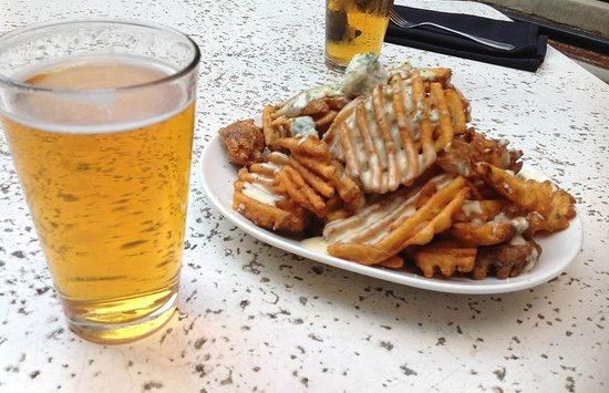 Henry's 12th Street Tavern: waffle fries & pilsners at Henery's Tavern, Portland OR