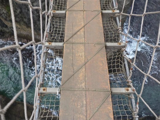 Carrick-A-Rede Rope Bridge: View looking down from the bridge
