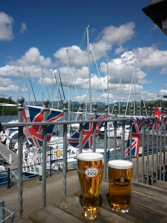 The Ship Inn: Beautiful British Summertime
