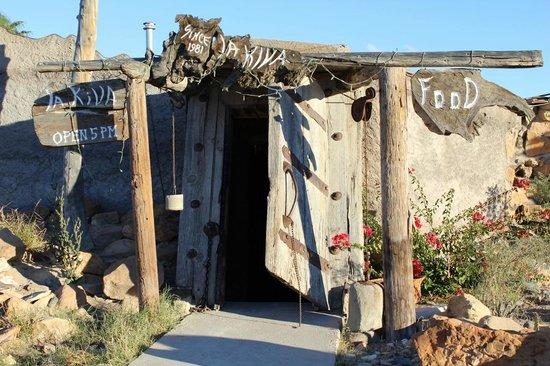 La Kiva: Entrance looks a bit sketchy, but it's really cool inside
