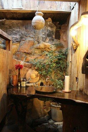 La Kiva: Even the bathroom is decorated well