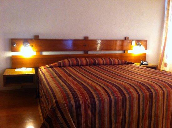 Hotel Marsella: Habitación