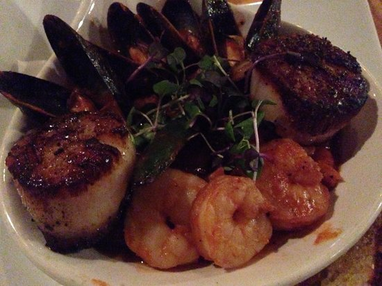 Mezzaluna: Tuscan style stew with shrimp, scallops, and mussels---delicious!