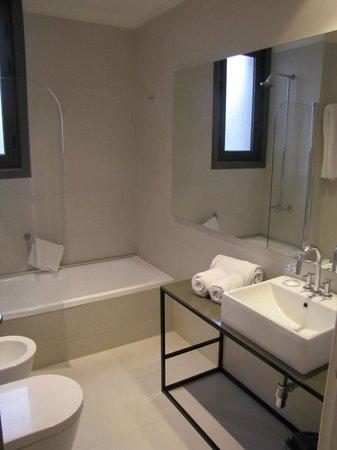 Esplendor Hotel Cervantes: Banheiro