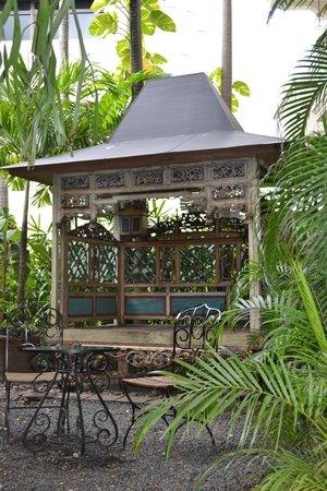 The Phoenix Hotel Yogyakarta - MGallery Collection: Hotel grounds