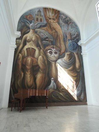 Ceramic Museum (Museo Regional de la Ceramica) : Mural in the Museo Pantaleón Panduro del Premio Nacional de la Cerámica