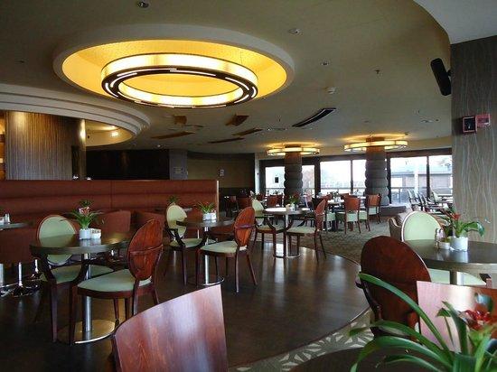 Dan Panorama Haifa: Bar do Hotel