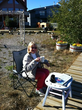 Bayside Bed & Breakfast: Coffee out back of B&B (wine really in cof cup)